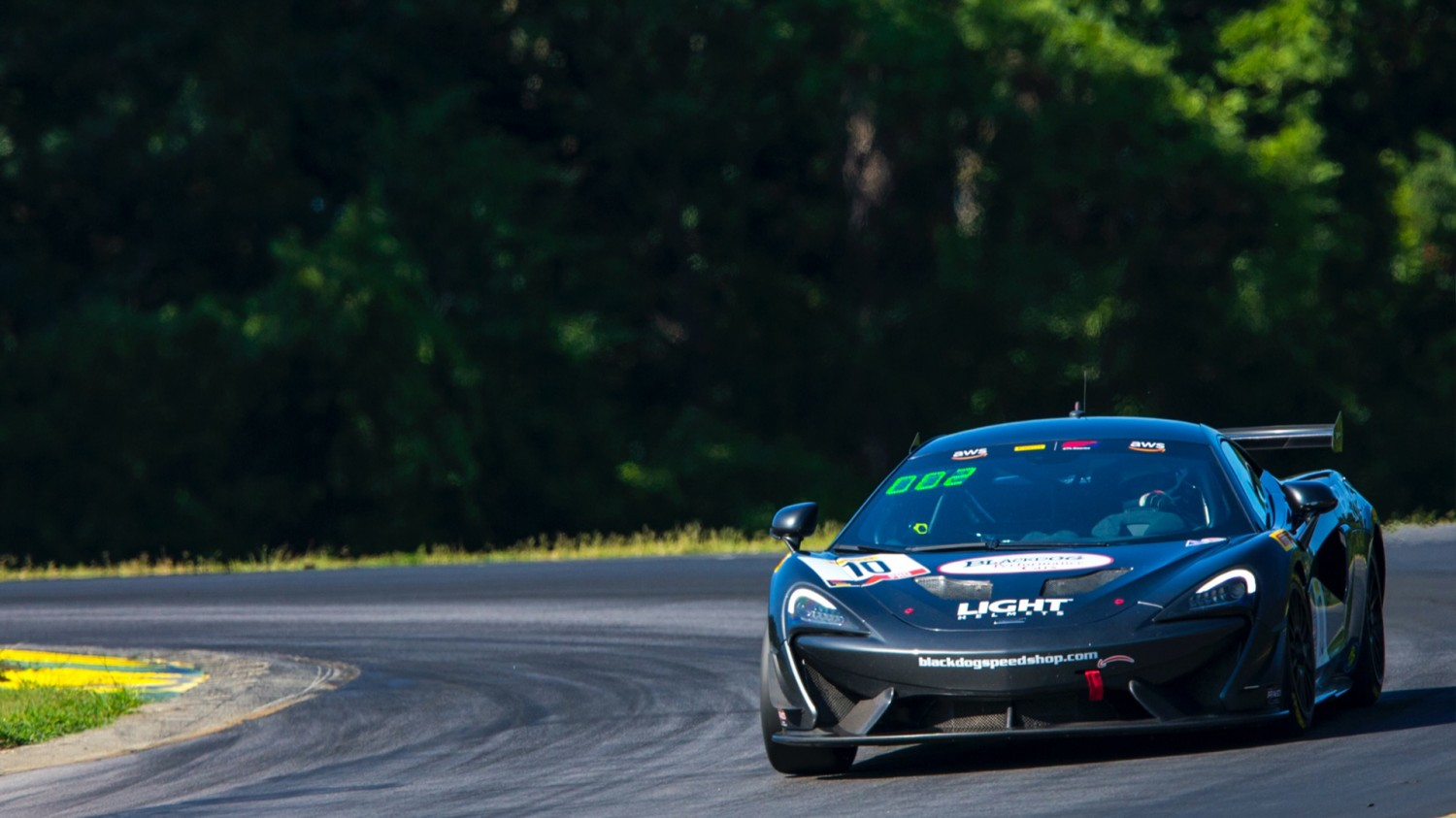 REBOUND! Cooper Powers Back for GT4 Sprint Victory at VIR