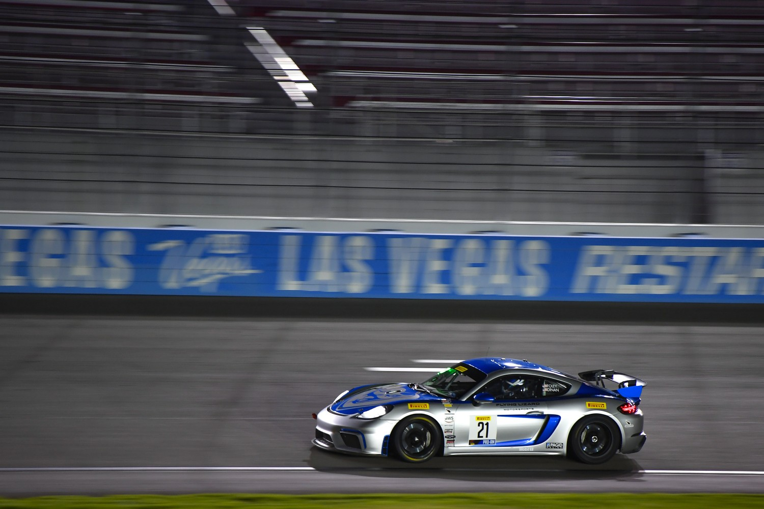 #21 Porsche 718 Cayman CS MR of Michael Dinan and Robby Foley with Flying Lizard Motorsports  2019 Blancpain GT World Challenge America - Las Vegas, Las Vegas NV | Gavin Baker/SRO